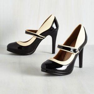 Mod Cloth Mary Jane Classy Indeed Heel in black
